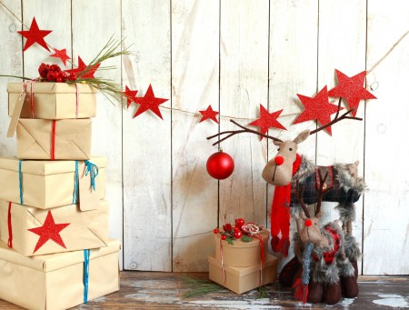 Red Glitter Stars with Moose